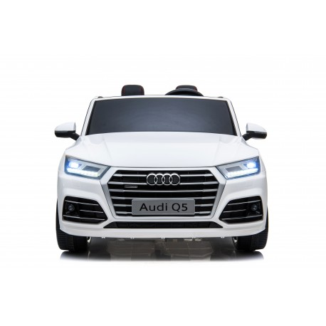 AUDI Q5 S-LINE 24 V WHITE ON THE ROAD TO COME